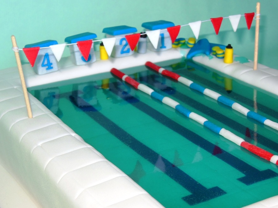 Say Thank You With A Cake To The Swim Coach Who Has Trained With A Group For A Triathlon