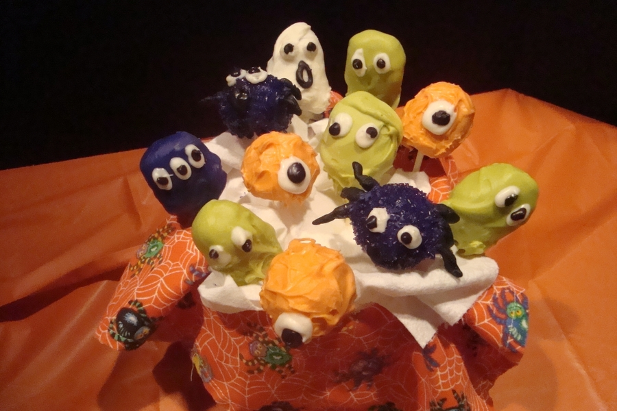Halloween Cake Pops.. on Cake Central