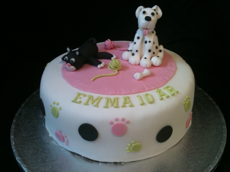 Superb Dog And Cat Birthday Cake Cakecentral Com Funny Birthday Cards Online Fluifree Goldxyz