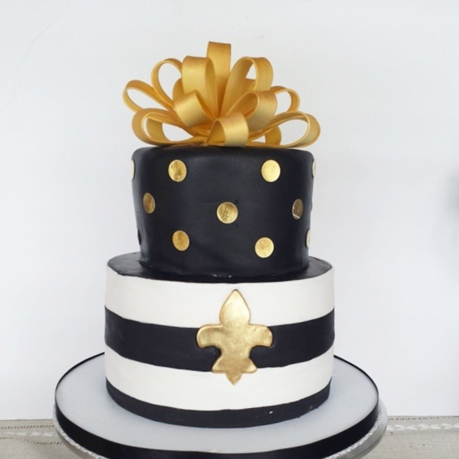 Fleur De Lis Birthday Cake Top Tier Is Chocolate Khalua Cake Bottom