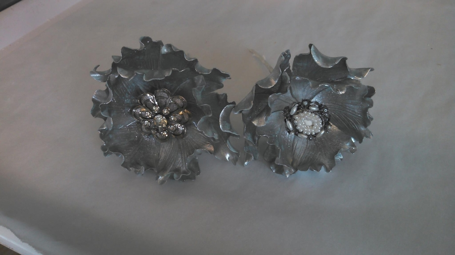 Silver Fantasy Peonies W/broaches on Cake Central