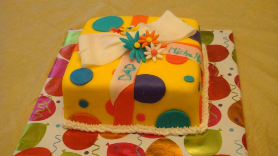 Giftbox Cake on Cake Central