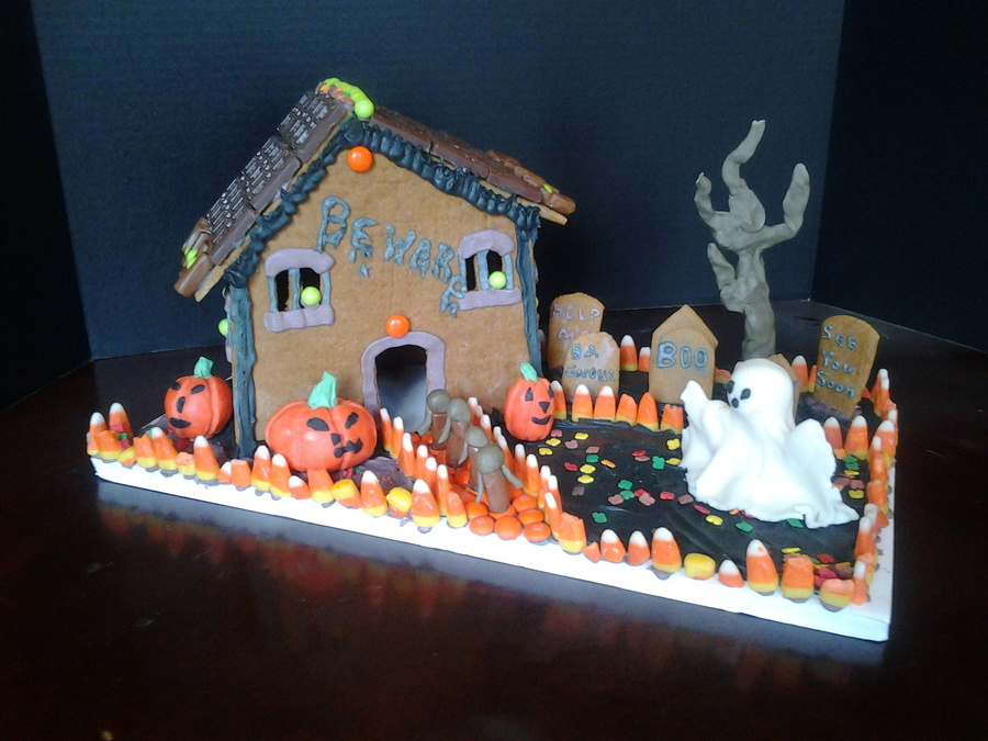 Haunted Gingerbread House on Cake Central