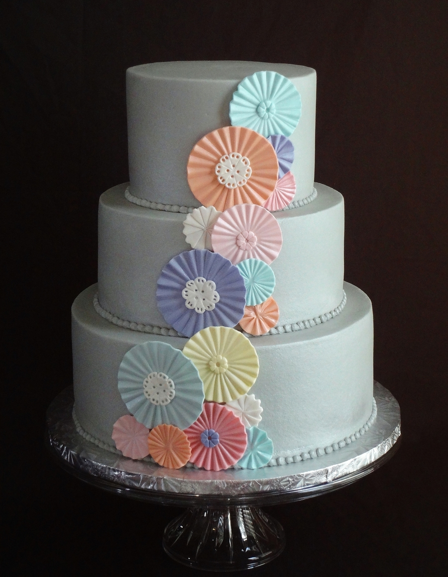Cascade Of Rosettes on Cake Central