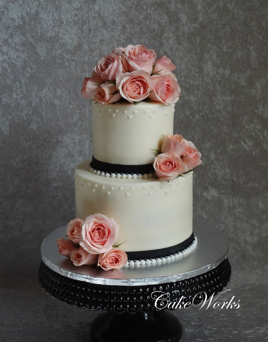 Sweetheart Roses And Pearls on Cake Central