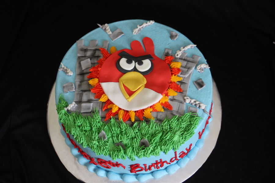 Anrgy Bird on Cake Central