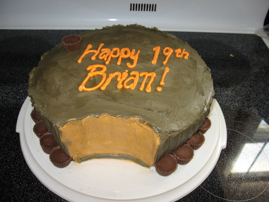 Giant Reese's Cup on Cake Central