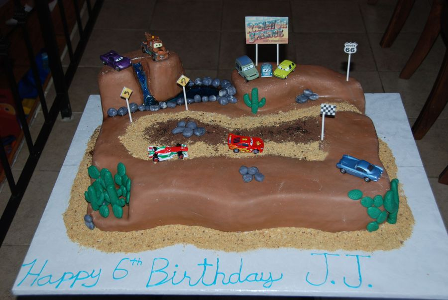 Cake Decorating Car Race Track : Cars 2 Race Track Cake - CakeCentral.com