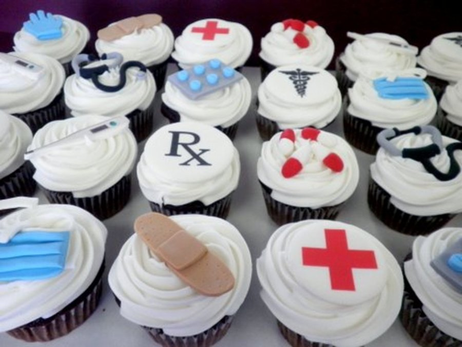 Doctor/nurse Cupcakes on Cake Central