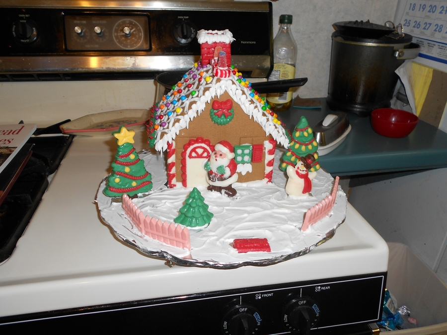 Barley's Gingerbread House on Cake Central