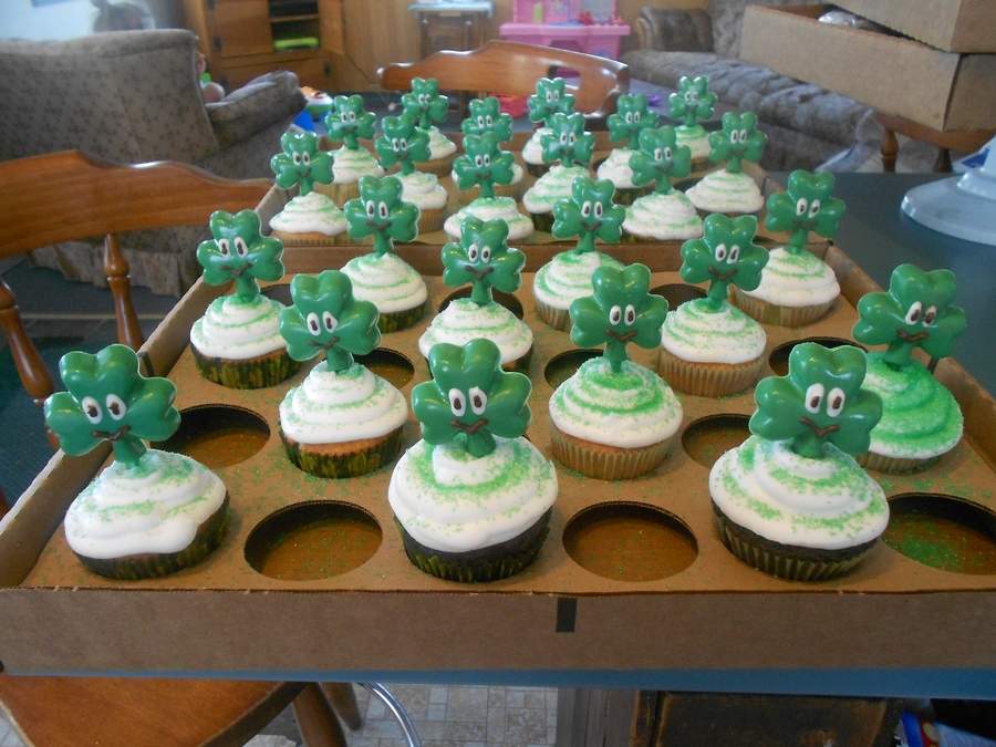 St Paddy's Cupcakes on Cake Central