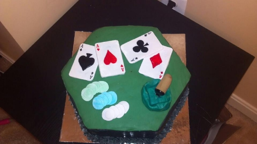 Poker Table Cake on Cake Central