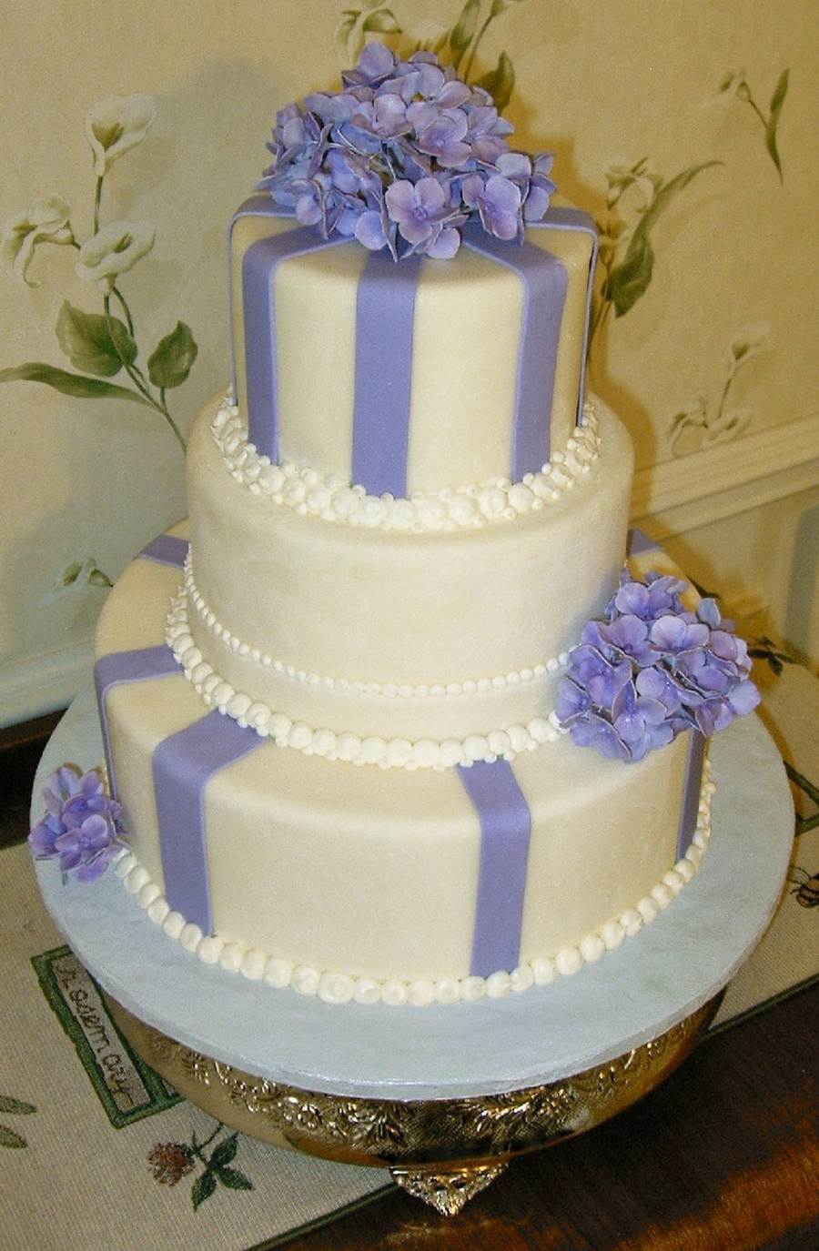 Gumpaste Hydrangeas on Cake Central