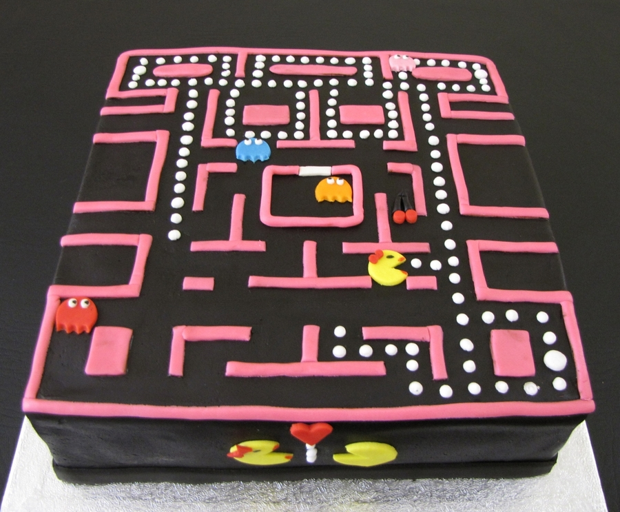 Pac Man Cream Cake