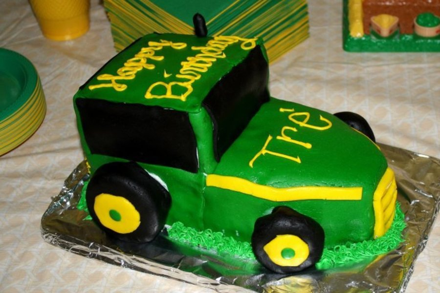 John Deere Tractor on Cake Central