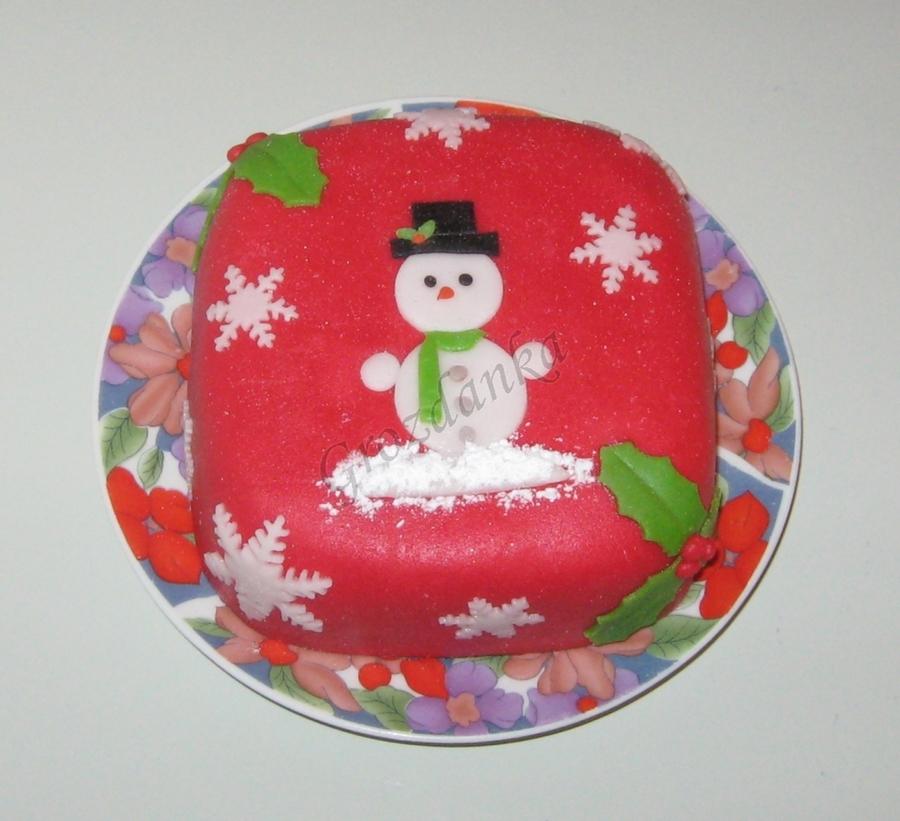 Mini Xmas Cake Designs : Mini Christmas Cake - CakeCentral.com