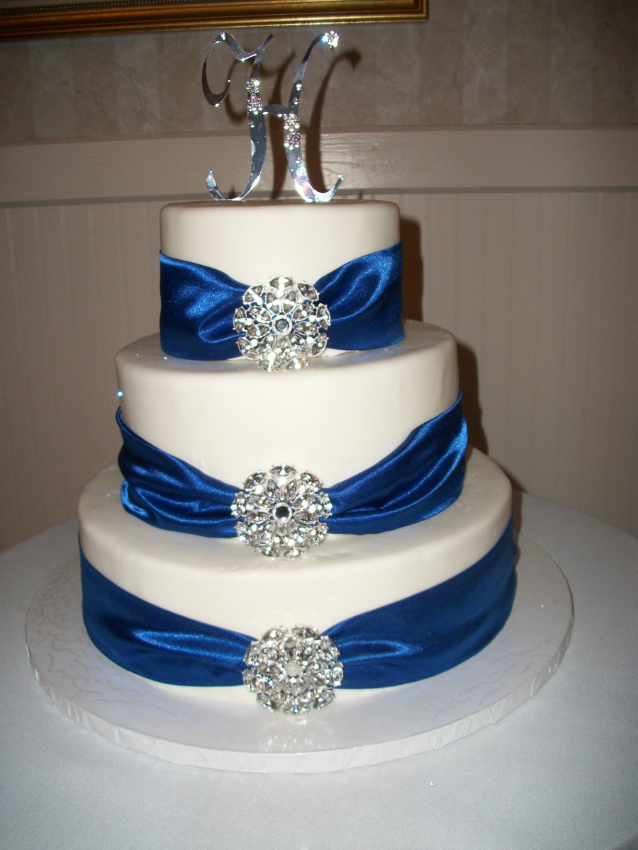 White Round, Stacked Wedding Cake on Cake Central