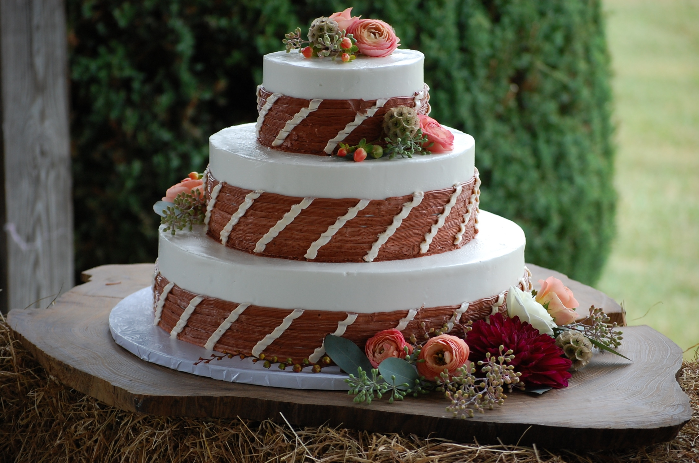 Round White Rustic Wedding Cake CakeCentral