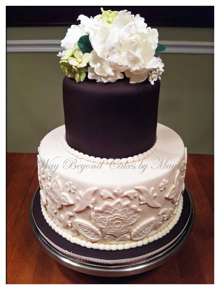 brown and white wedding cake black and white brown and ivory wedding cake 12189
