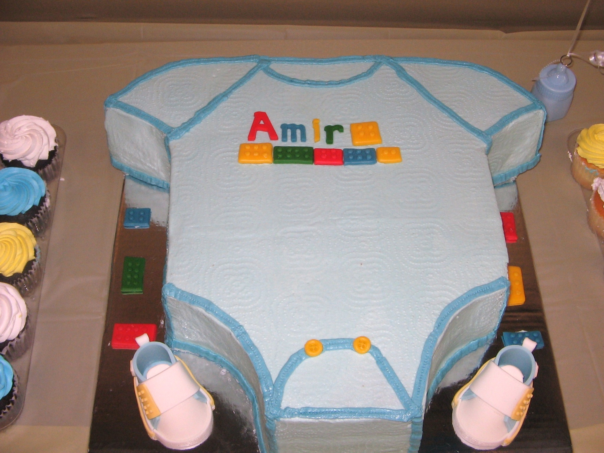 excited dad wants lego block baby shower cake cakecentral com