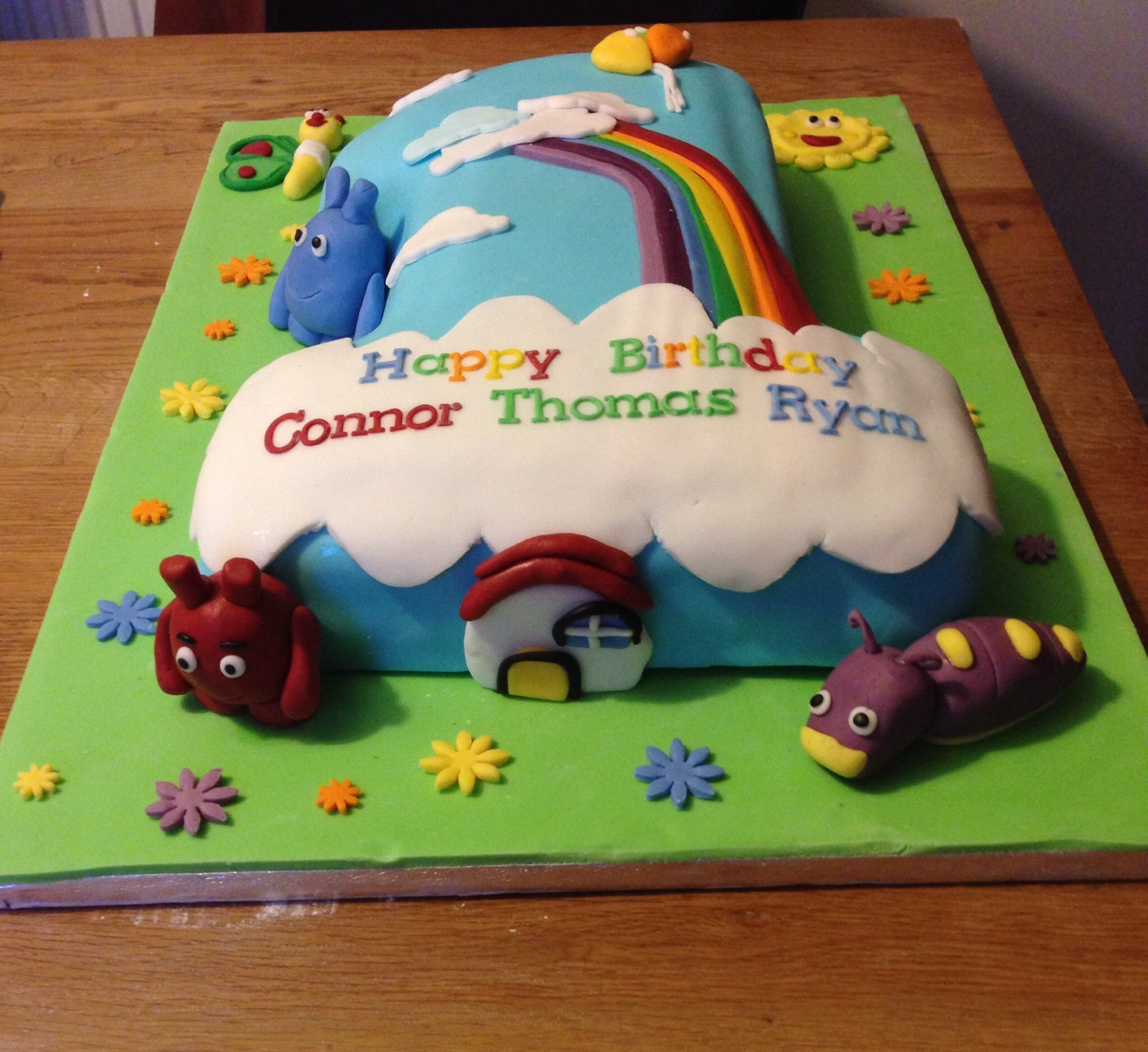 Baby tv first 1st birthday cake for Baby tv birthday decoration