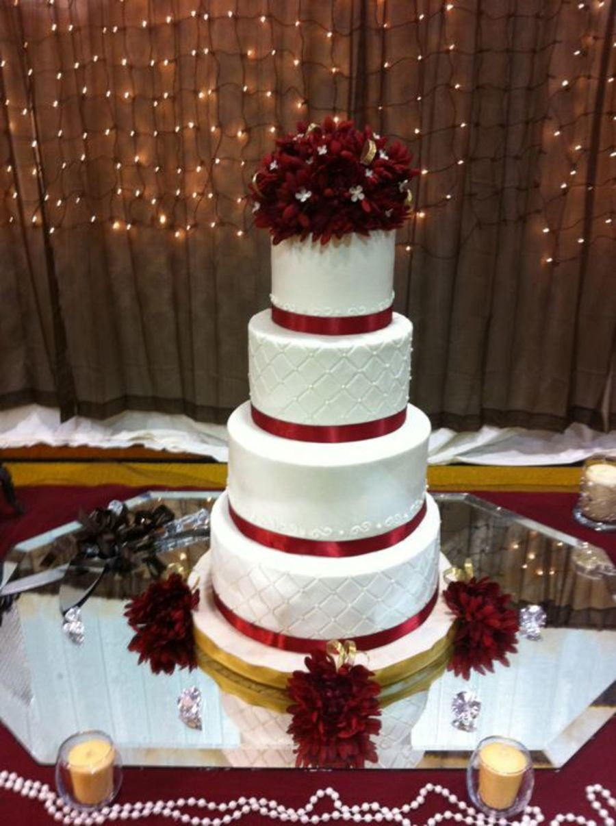 Maroon And White Wedding Cake Cakecentral Com