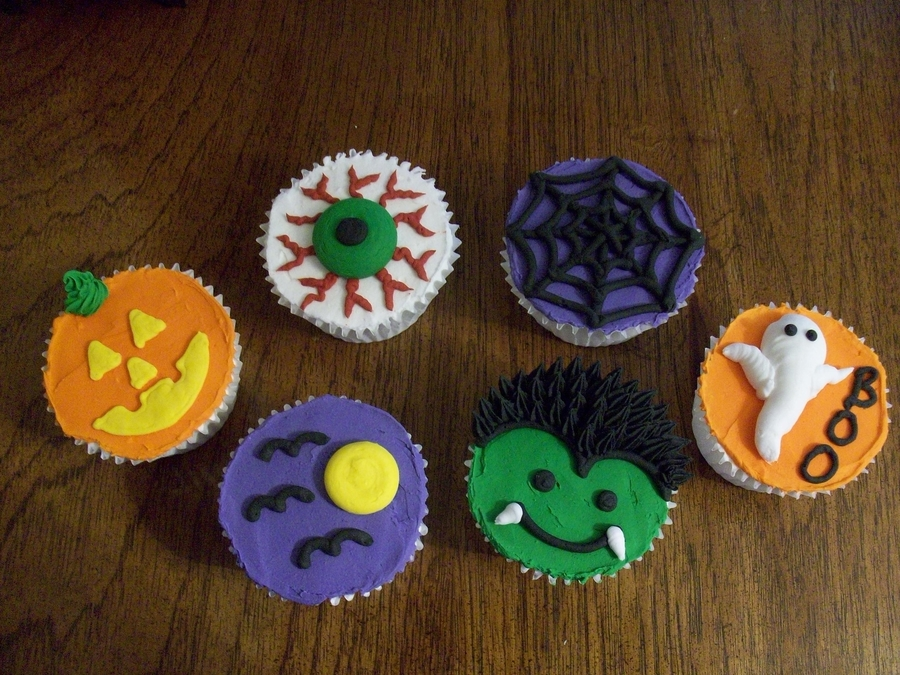 Halloween Cucpcakes on Cake Central