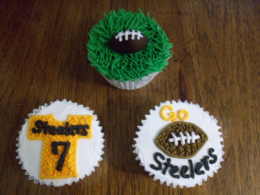 Steeler Cupcakes on Cake Central