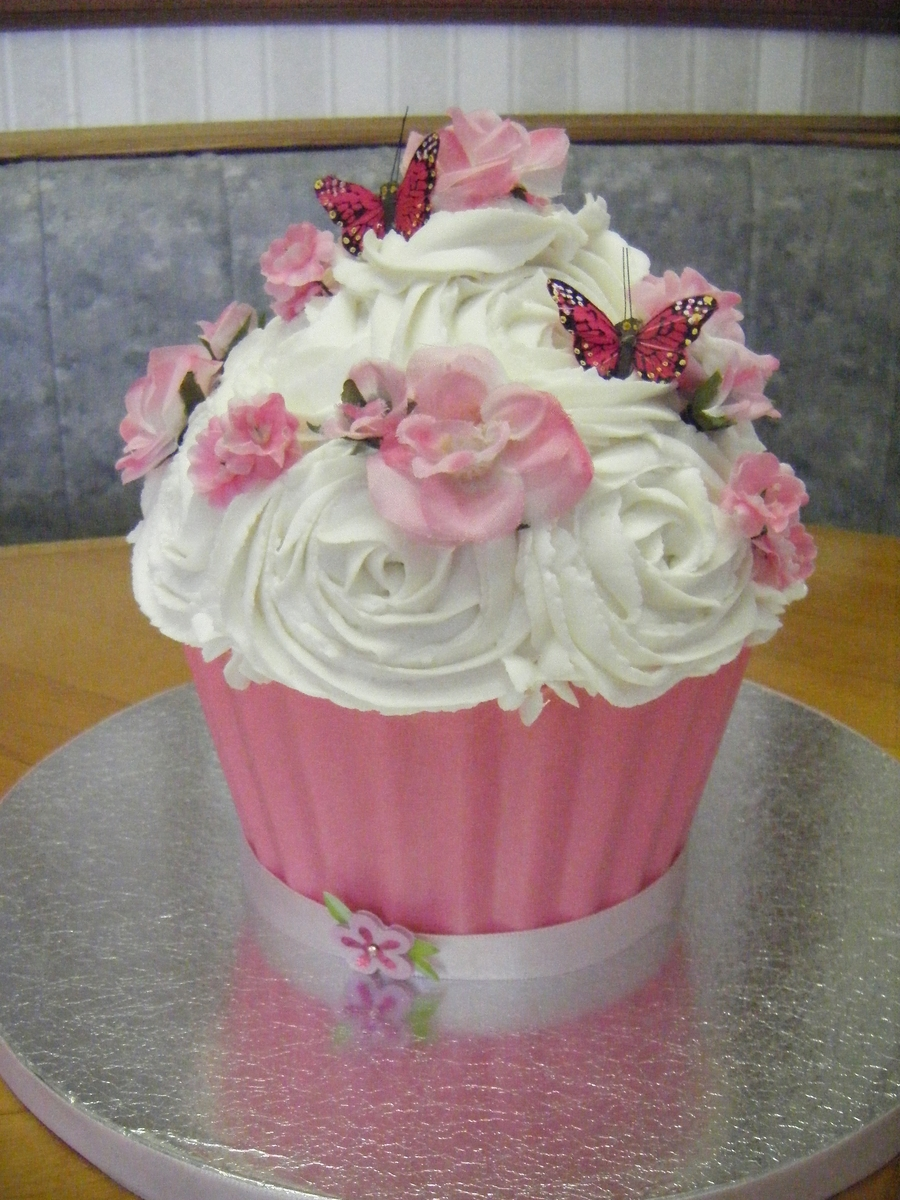 Flowers & Butterflies Cupcake Cake on Cake Central