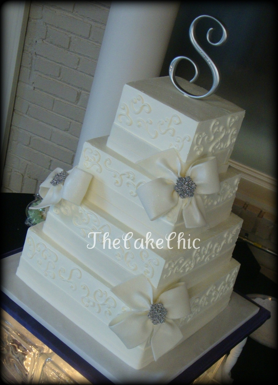 wedding cake with bows and bling bows and bling wedding cake cakecentral 26837