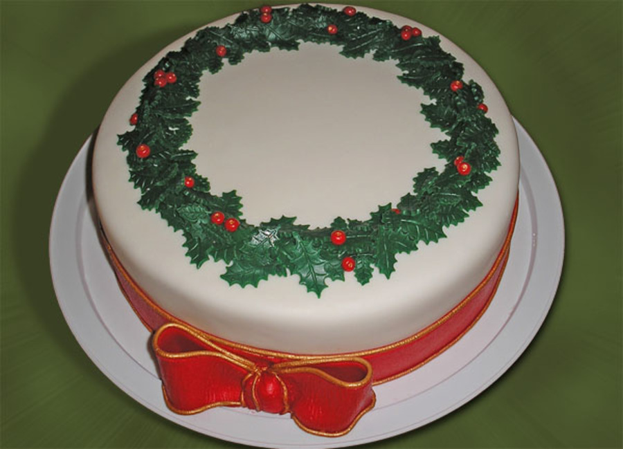 Holly Wreath Cake on Cake Central