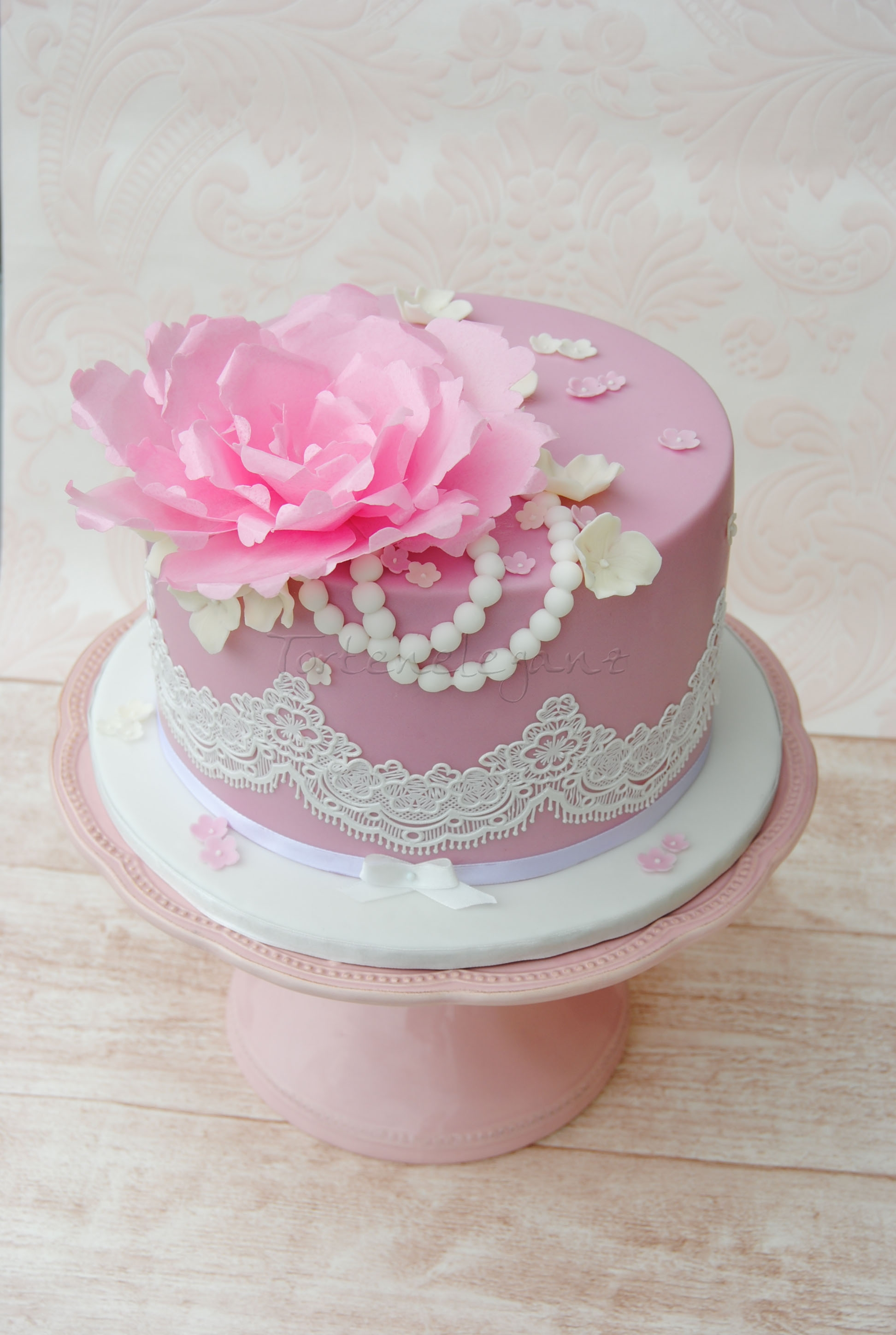 Vintage cake with lace and wafer paper flower cakecentral complete edible with wafer paper flower and cake lace mightylinksfo