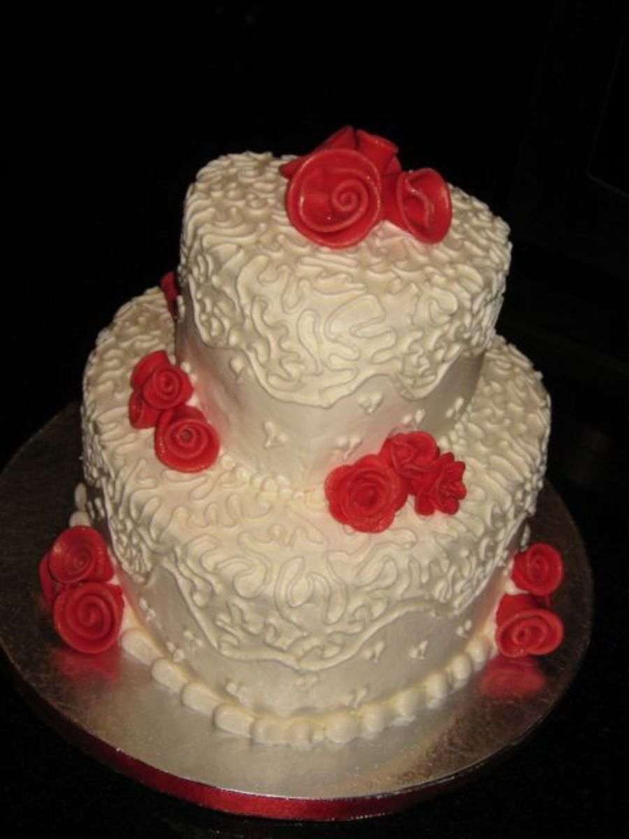 Ivory Heart W/ Red Rolled Roses on Cake Central