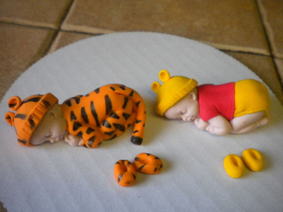 Tiger And Winnie The Pooh Sleeping Babies  on Cake Central