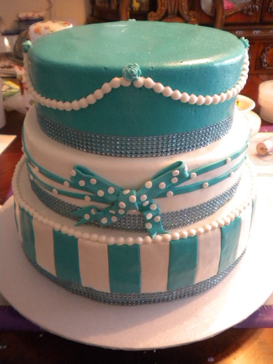 Sweet 16/ Quincenera Cake on Cake Central