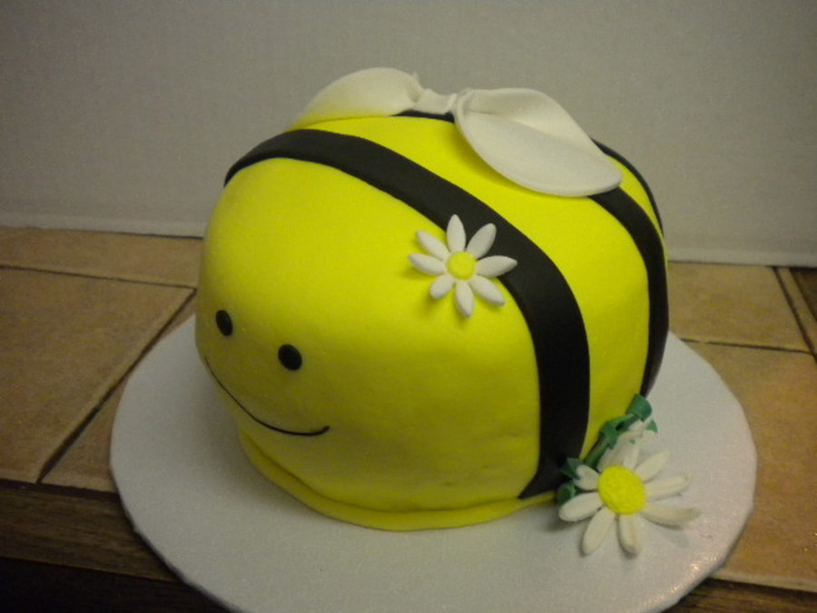Bumblebee on Cake Central