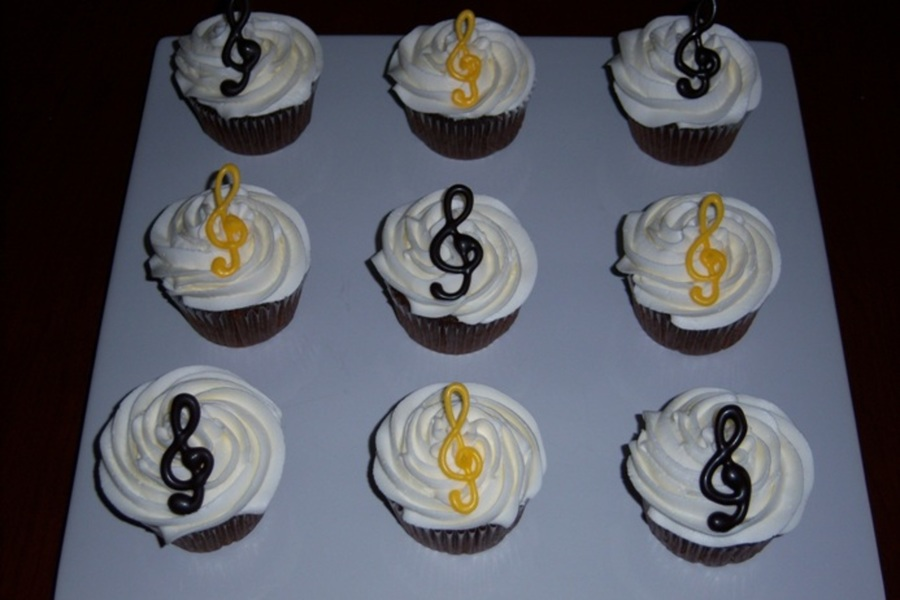 Musical Cupcakes  on Cake Central