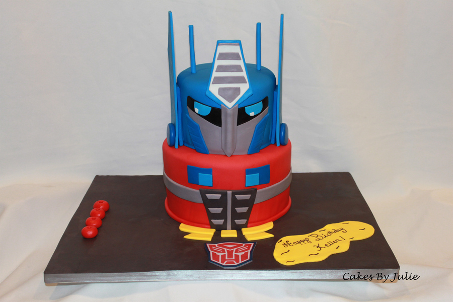Transformers (Optimus Prime) on Cake Central