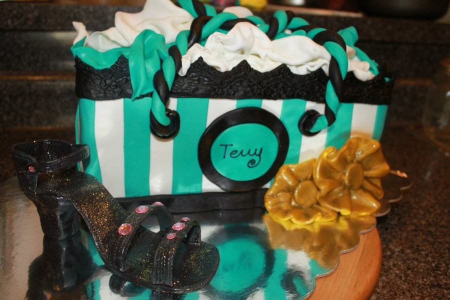 Shopping Bag And Shoe  on Cake Central