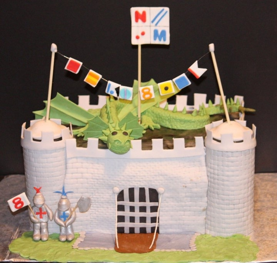 Knight / Castle Cake on Cake Central