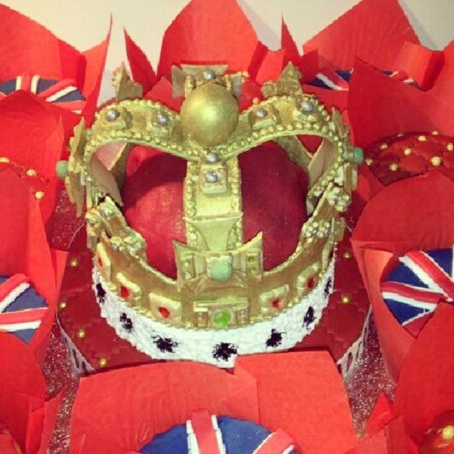 Diamond Jubilee Crown on Cake Central