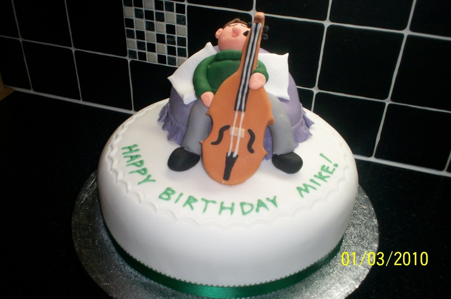 Man Playing A Cello on Cake Central