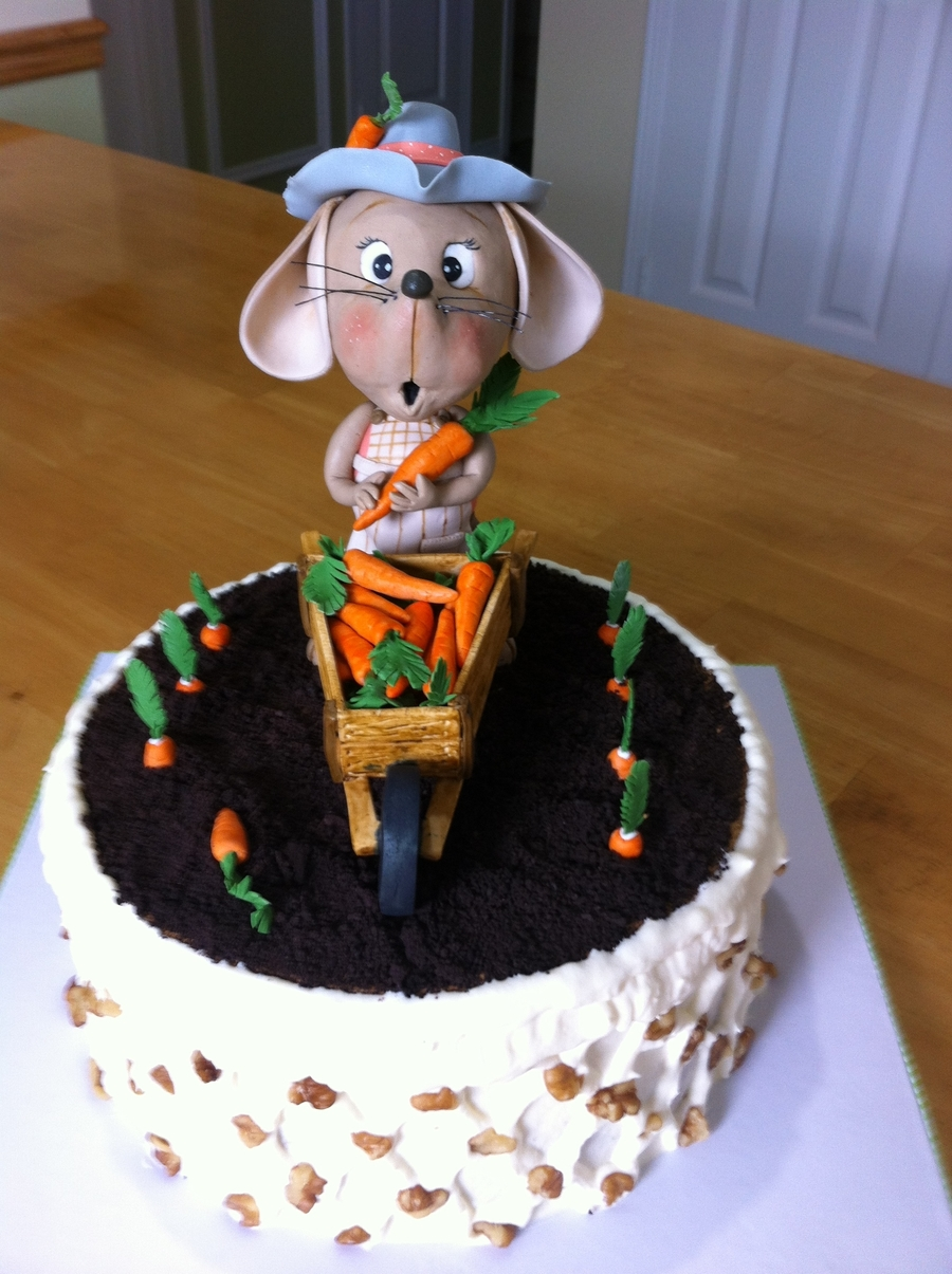 Mouse Picking Carrots on Cake Central