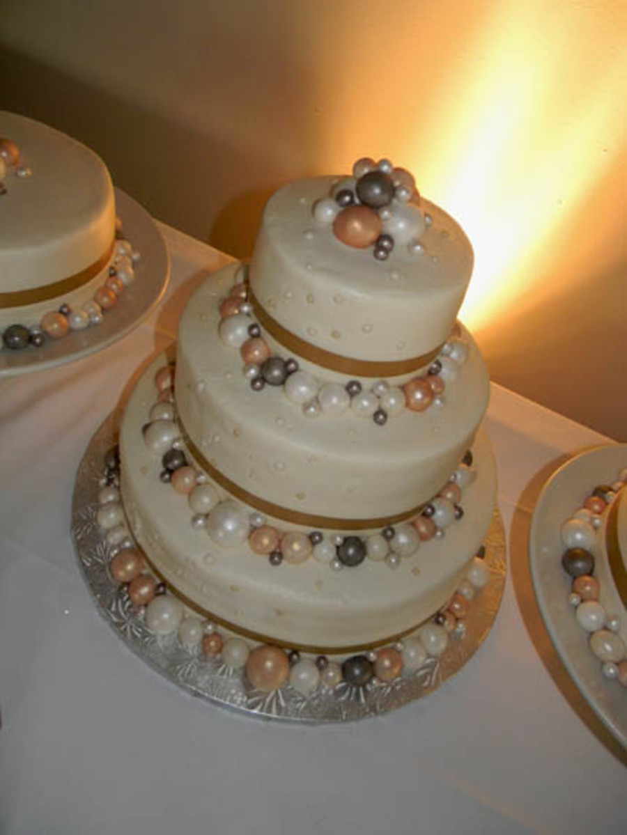 Closeup Of Big Pearls on Cake Central