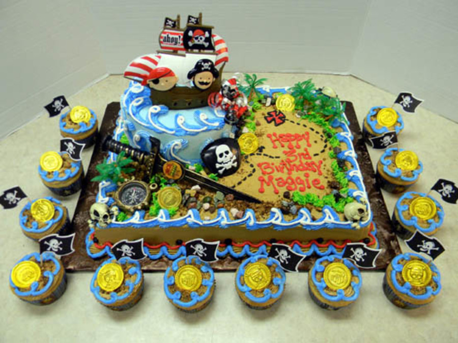 Pirate Maggie  on Cake Central