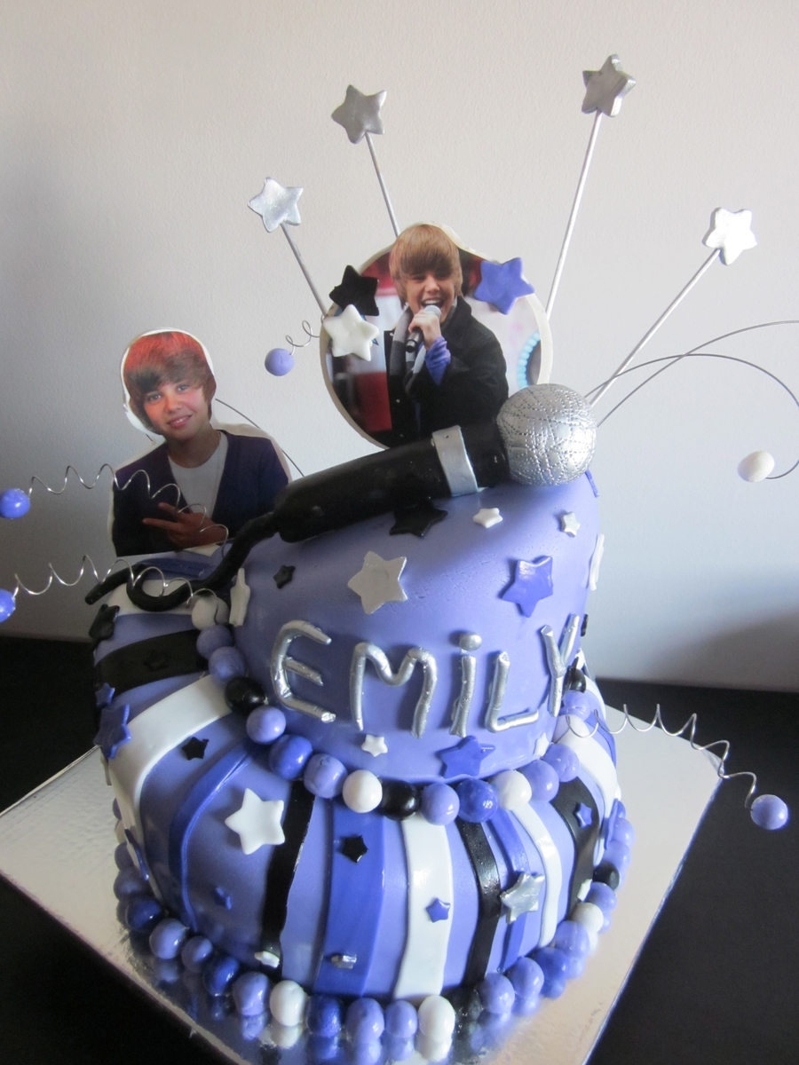 Justin Bieber Topsy-Turvy Cake on Cake Central