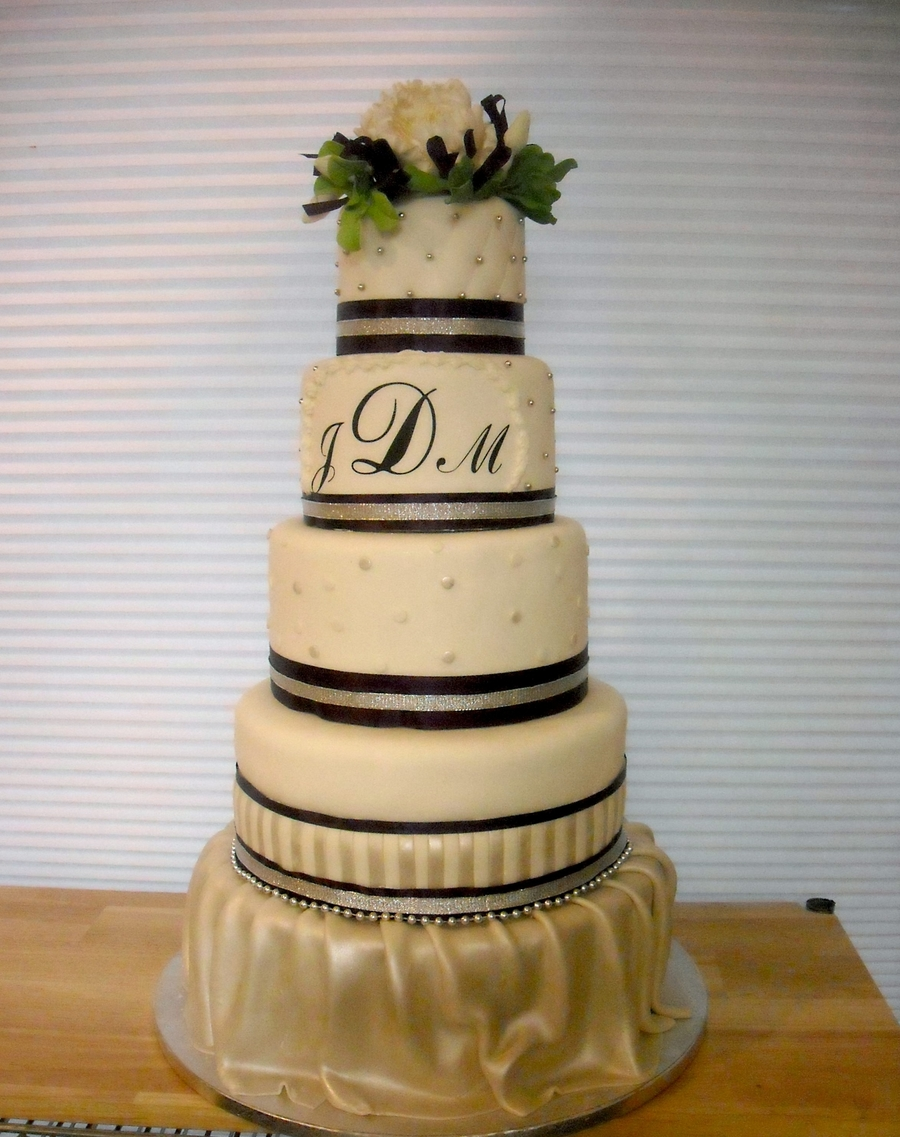 Monogram And Fondant on Cake Central