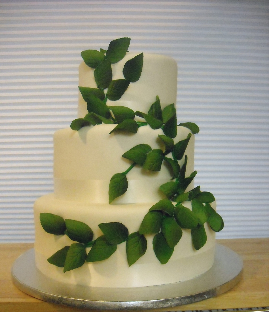 Leaves  on Cake Central