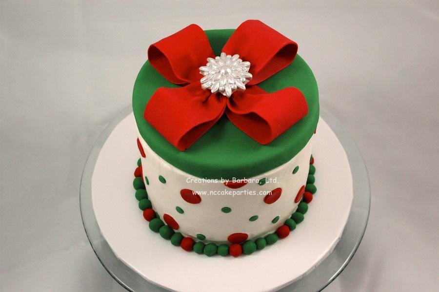 Icing A Christmas Cake With Fondant