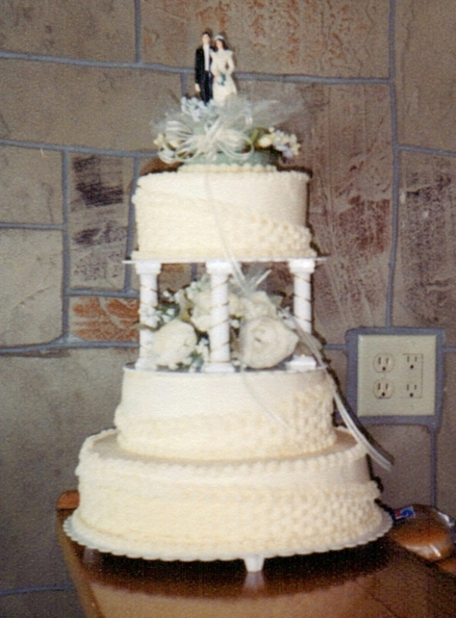 Ivory Basketweave on Cake Central